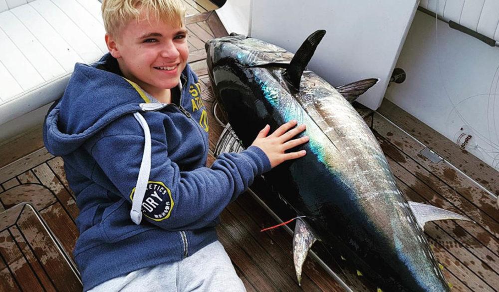 angelzubehör: Familienangeln auf Alcudia: Ultimative Mallorca Familienfischerei Charter Erfahrung